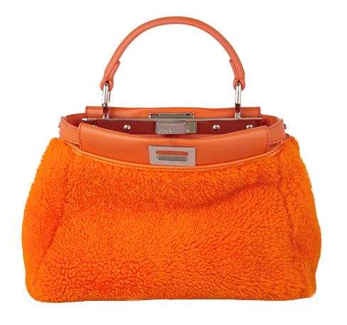Tendenze: per l'inverno 2015-16 le borse sono in shearling